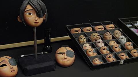 人形の表情パーツ。