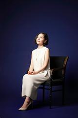シエル・ファントムハイヴ役の坂本真綾。