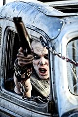 「マッドマックス 怒りのデス・ロード」場面写真