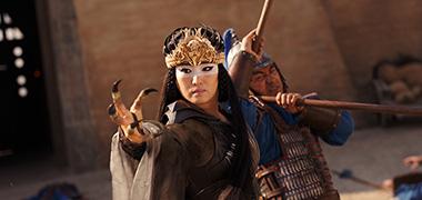 「ムーラン」より、コン・リー演じるシェンニャン。