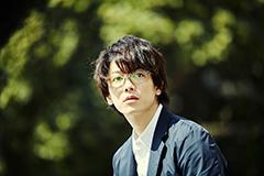 「億男」より、佐藤健演じる、主人公・一男。