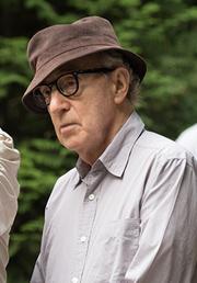 ウディ・アレン(右)と撮影監督のヴィットリオ・ストラーロ(左)。