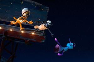 「映画 ひつじのショーン UFOフィーバー!」より、ビッツァー(左)、ショーン(中央)、ルーラ(右)。