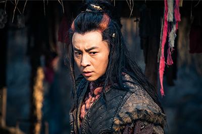 「神龍<シェンロン>-Martial Universe-」より、シー・シャオロン演じる小炎。