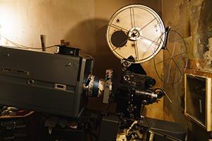 高田世界館 映写室の様子。