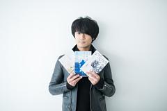 佐々木亮介(Vo, G)