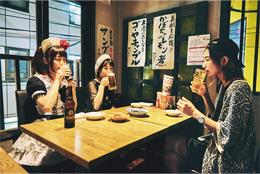 左から小鳩ミク(BAND-MAID)、ゆきみ(あいくれ)、中嶋イッキュウ(tricot)。