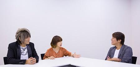 左からKATSU(G, Key)、atsuko(Vo)、中西豪。