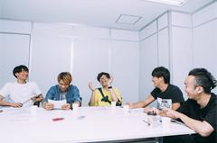 ASPARAGUS、荒井岳史(Vo, G / the band apart)、木暮栄一(Dr / the band apart)。