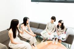 左から東京女子流の山邊未夢、中江友梨、sora tob sakanaの神﨑風花、寺口夏花。