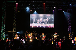 「BanG_Dream! First☆LIVE Sprin'PARTY 2016!」の様子。