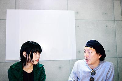 左からアイナ・ジ・エンド、松隈ケンタ。