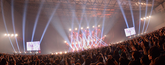 「BUMP OF CHICKEN結成20周年記念Special Live『20』」の様子。