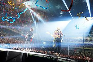 「BUMP OF CHICKEN TOUR 2017-2018 PATHFINDER」埼玉・さいたまスーパーアリーナ公演の様子。