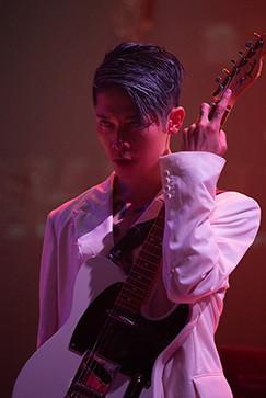 DAOKO × MIYAVI「千客万来」ミュージックビデオ撮影時の様子。