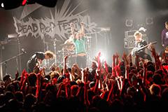 「DEAD POP FESTiVAL 2012」の様子。