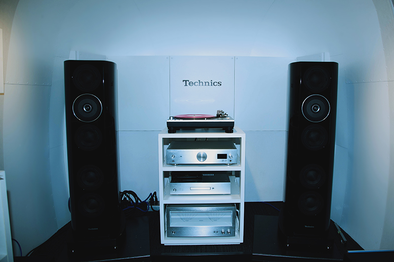 Technics Sound Trailer内部の様子。