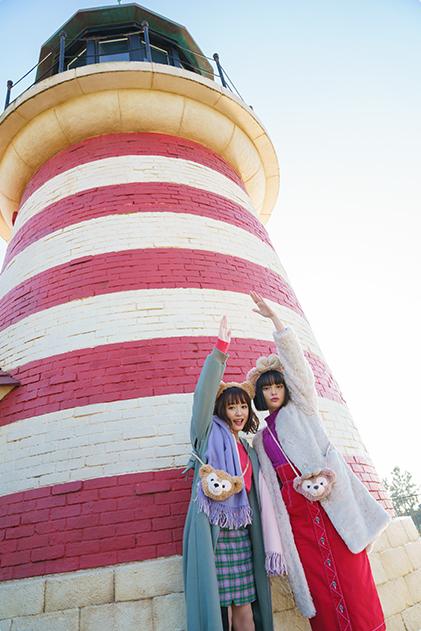 左から大原櫻子、玉城ティナ。