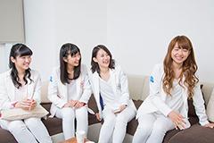 左から前島亜美、溝手るか、勝田梨乃、志村理佳。
