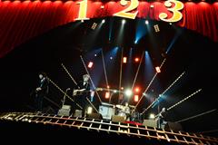 THE BAWDIES(2013年6月28日の大阪城ホール公演より / 撮影:橋本塁)