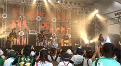 「ROCK IN JAPAN FESTIVAL 2011」でのライブの様子。