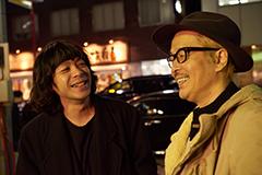 左から峯田和伸、リリー・フランキー。