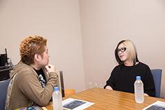 左から吉田豪、HISASHI(GLAY)。