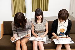 印象的なシーンをお絵描きする3人。どんな絵が描き上がるのでしょうか? みんな真剣な表情。