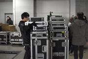 音響機材を搬入するPAコース。