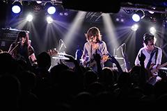 9月15日の新宿LOFT公演の様子。(撮影:O-mi)