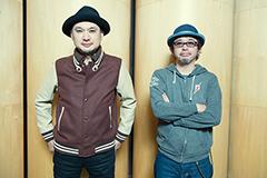 左から浜崎貴司、奥田民生。