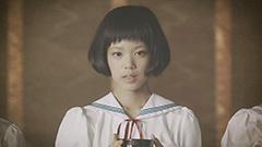 「神様はじめました」のビデオクリップのワンシーン。