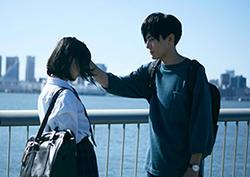 「ホットギミック ガールミーツボーイ」より、間宮祥太朗演じる成田凌(右)。