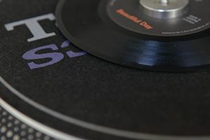 東洋化成に聞く 盛況アナログレコード市場の実情
