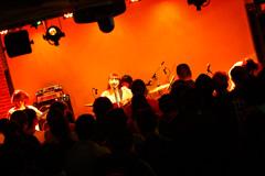 コレサワのライブの様子。