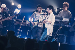 久保田利伸「3周まわって素でLive! ~THE HOUSE PARTY!~」の様子。