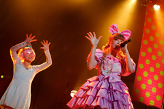 「100%KPP WORLD TOUR 2013」パリ公演の様子。
