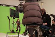 撮影にはミニクレーンも稼働。