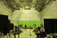 撮影が終了し、セットを解体している様子。
