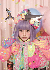 1stフルアルバム「ぱみゅぱみゅレボリューション」リリース時のきゃりーぱみゅぱみゅアーティスト写真。