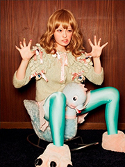 1stシングル「つけまつける」リリース時のきゃりーぱみゅぱみゅアーティスト写真。