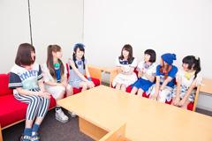 左からかれん、MAYU、芹奈、高山一実(乃木坂46)、manaka、麻珠、アサヒ。