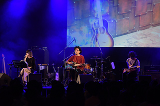 「マジカルミライ 5th Anniversary Special Live」2日目のステージの様子。