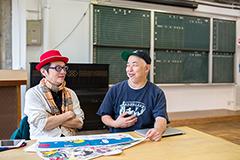 左からマスヤマコム、伊藤ガビン。