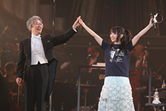 相思相愛で見事なステージを作り上げた藤野浩一と水樹奈々(撮影:上飯坂一)。