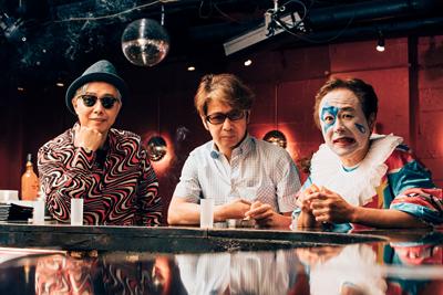 左から大槻ケンヂ(筋肉少女帯)、MAGUMI(MAGUMI AND THE BREATHLESS)、アツシ(ニューロティカ)。
