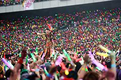 ももいろクローバーZ「桃神祭 2016 ~鬼ヶ島~」の様子。