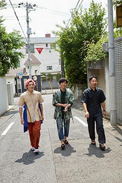 左から兼近大樹(EXIT)、森山直太朗、佐藤渉。