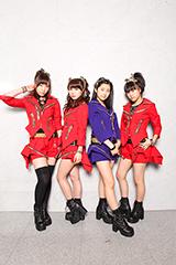 写真左から譜久村聖、石田亜佑美、佐藤優樹、小田さくら