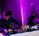 DJパーティの様子。